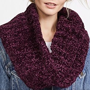 Free People Accessories - Free People chunky chenille knit infinite scarf